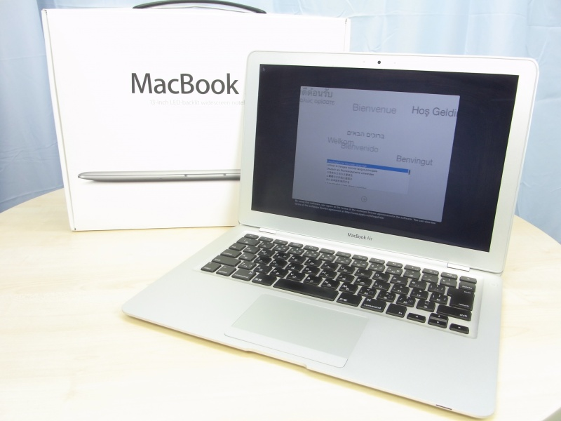 MacBook Air (13-inch, Late 2008)  MB543J/A